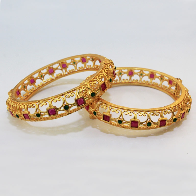 GOLD PLATED BANGLE FOR WOMEN-0
