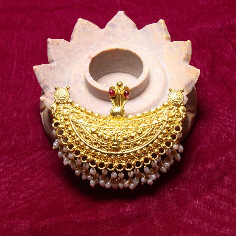 Kodava Kokkehathi Pendant with Pearls