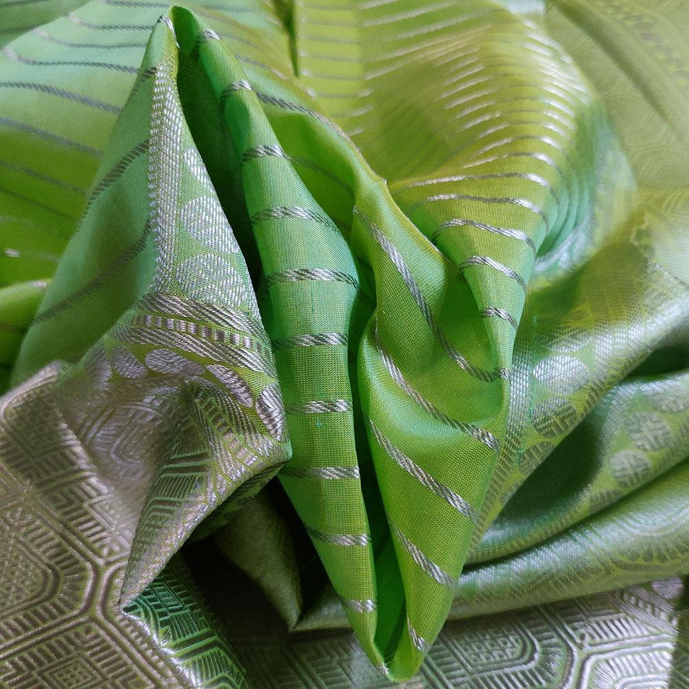 Parrot Green Kanchipuram Silk Saree with Geometric Pattern-9173
