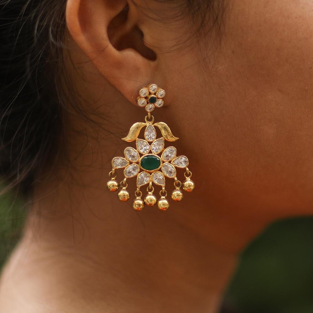 Earrings with Kundan Imitation